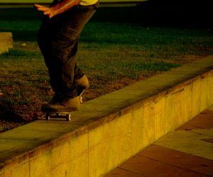 c90-11-Orly-Aviv-Street-Skaters--4-096--web.jpg