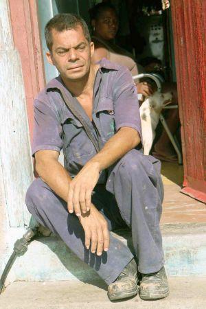 06-Orly-Aviv-Stilness-Cuba-web.jpg